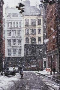 New York street on a snowing day.