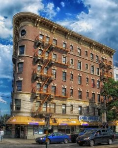 A building from which the Bronx movers will help you relocate.